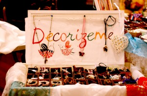 Decorizeme stand at the market