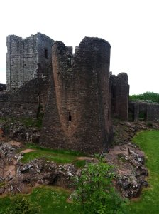 Corner tower and the  back  walls