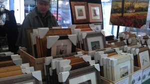 A nice selection of frames , dream come true for all artists