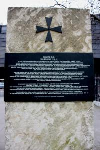 Malta Siege Memorial  - the frontal description and the Cross
