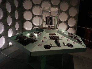 Original interior of TARDIS from 1963 - we do love the round things on the walls!